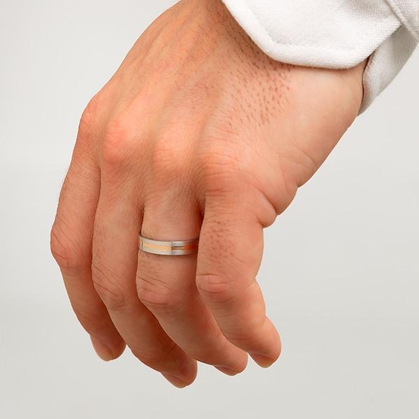 Joyería online alianza de boda Eco puesta hombre