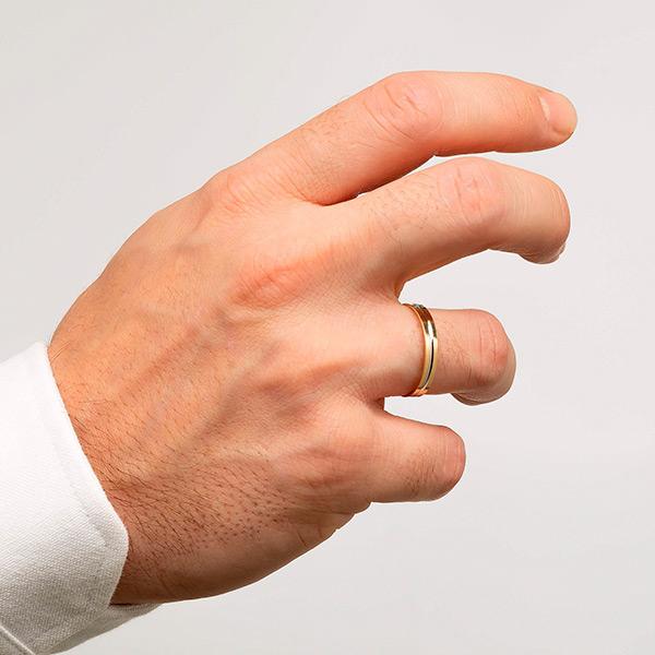 Joyería online alianza de boda Line puesta hombre