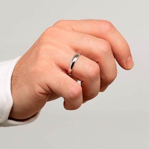 Joyería online alianza de boda Ronda puesta hombre