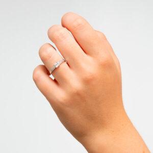 Alianza de boda de oro Stilum. Joyería Online