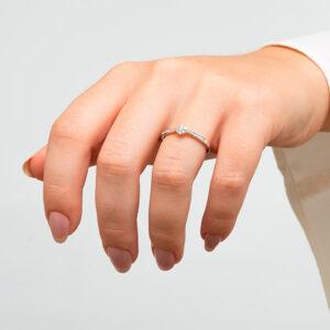 Anillo en oro blanco y diamantes, anillos de compromiso