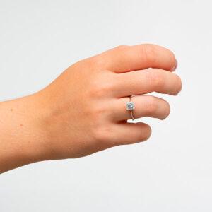 Anillo en oro de 18 kilates anillo oro blanco