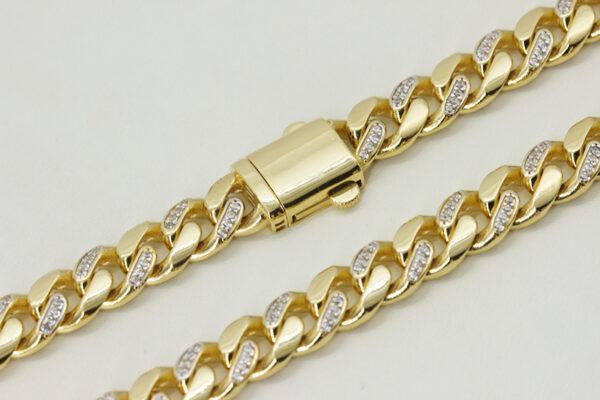 Cadena de oro cubana y circonio